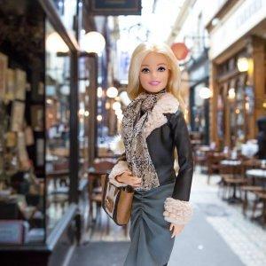 Barbie au Musée des arts déco