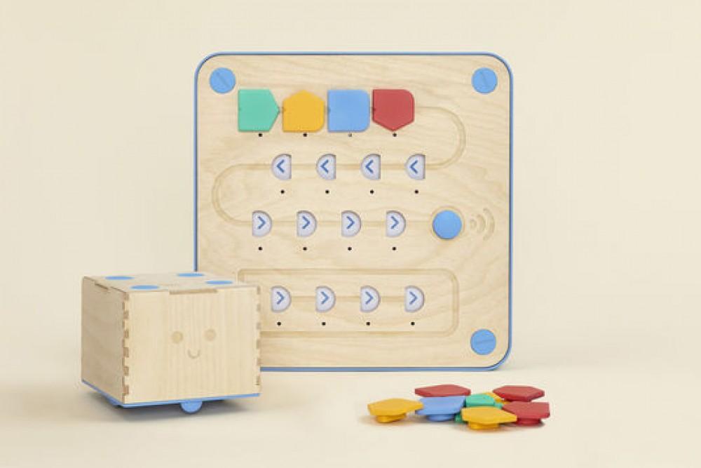 Le robot qui apprend aux enfants à programmer c'est Cubetto !